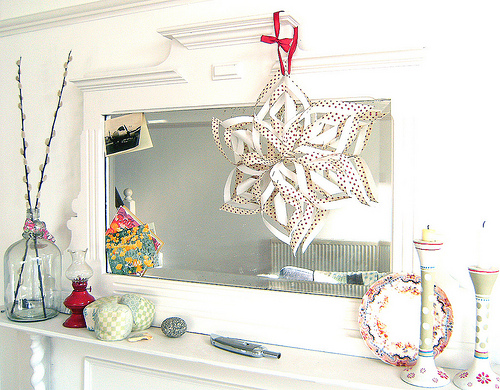 FINDS Holiday DIY Roundup - Paper Snowflake