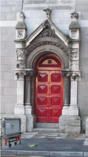 Favorite-Red-Dublin-Door---FINDS-Blog