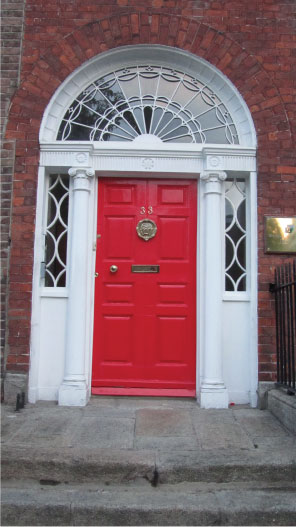 Red-Dublin-Door---FINDS-Blog